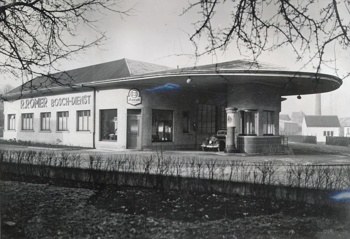 One of the early Bosch Car Service diagnostics centre in Germany