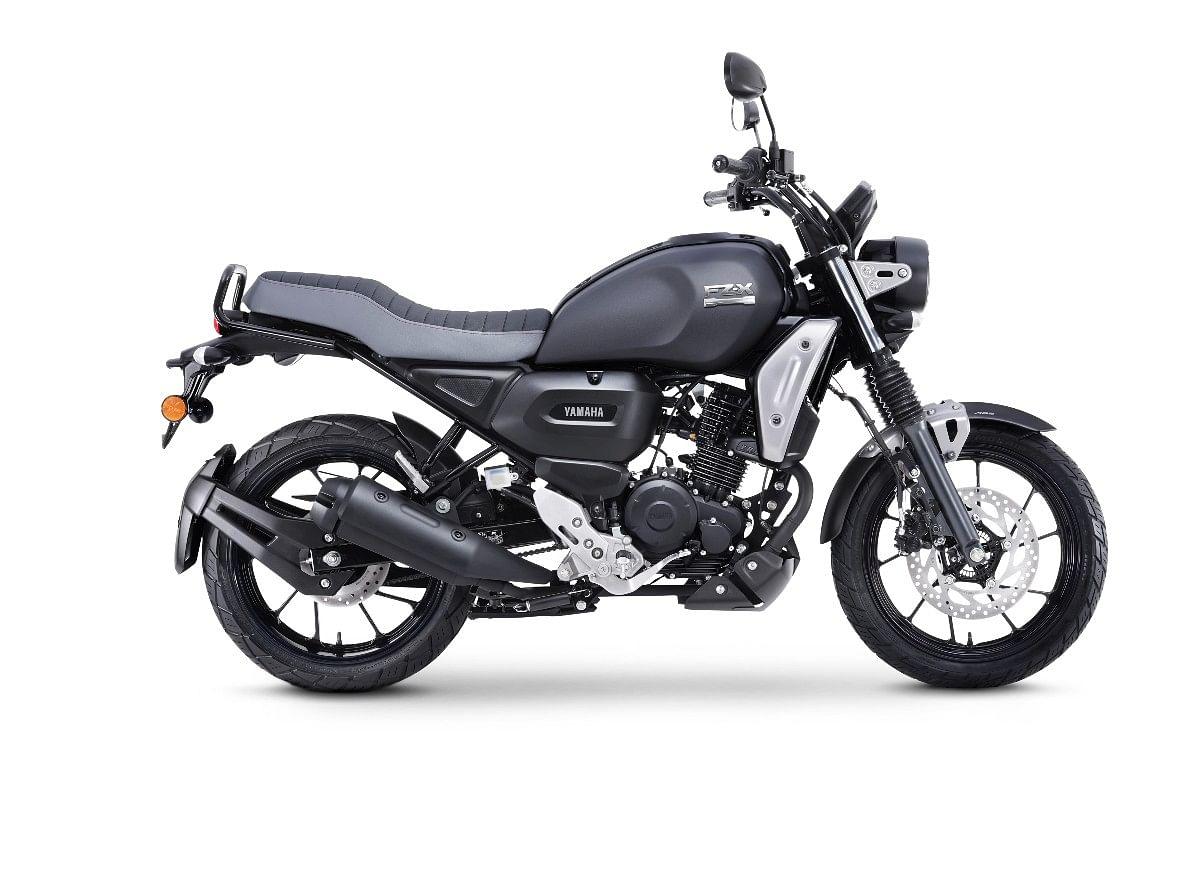 Yamaha FZ-X in Matt Black