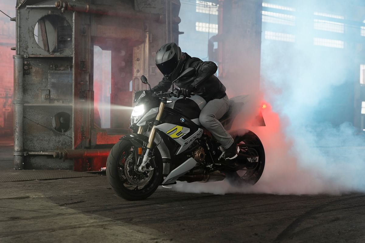 2021 BMW S 1000 R launched at Rs 17.9 lakh