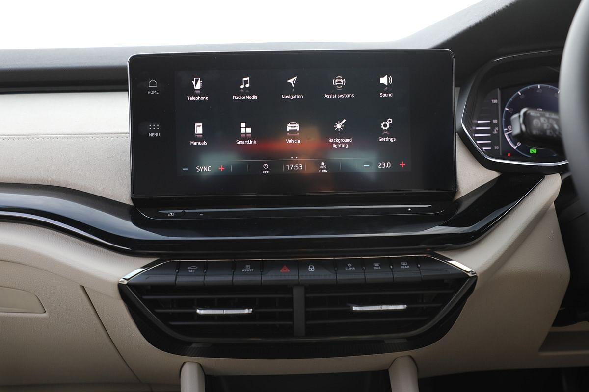 10-inch touchscreen infotainment