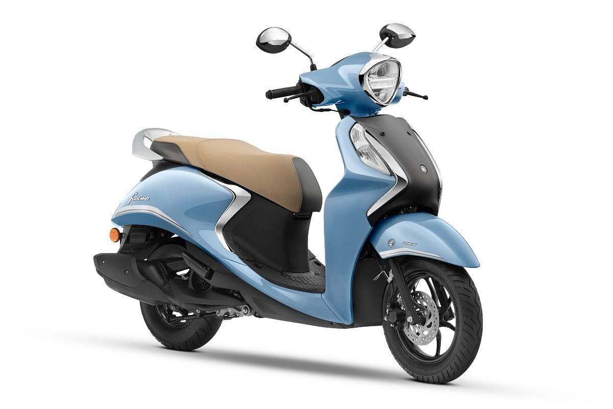 Yamaha Fascino 125 Fi Hybrid in Cool Blue Metallic
