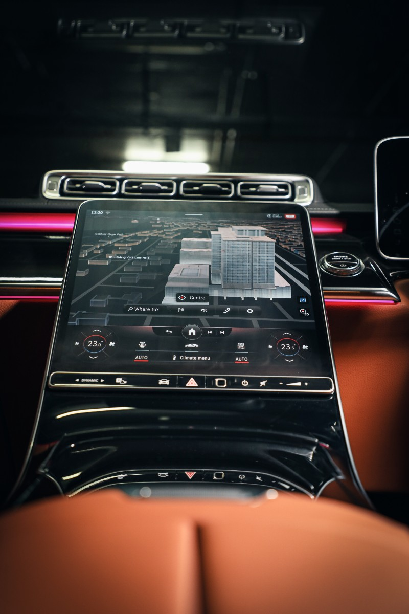 The 12.8-inch portrait style central screen takes centre stage and dominates the cabin