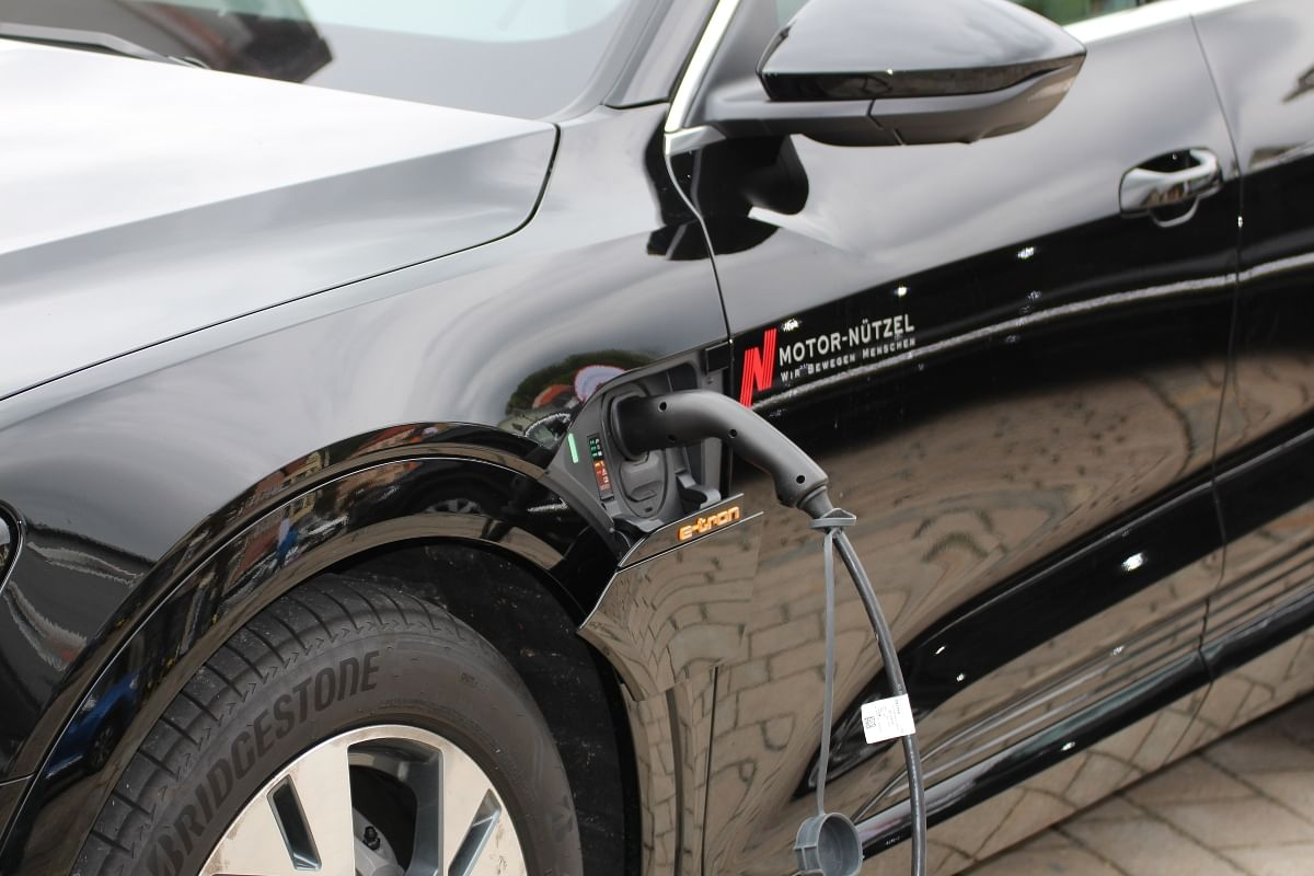 India plans of going full EV by 2030
