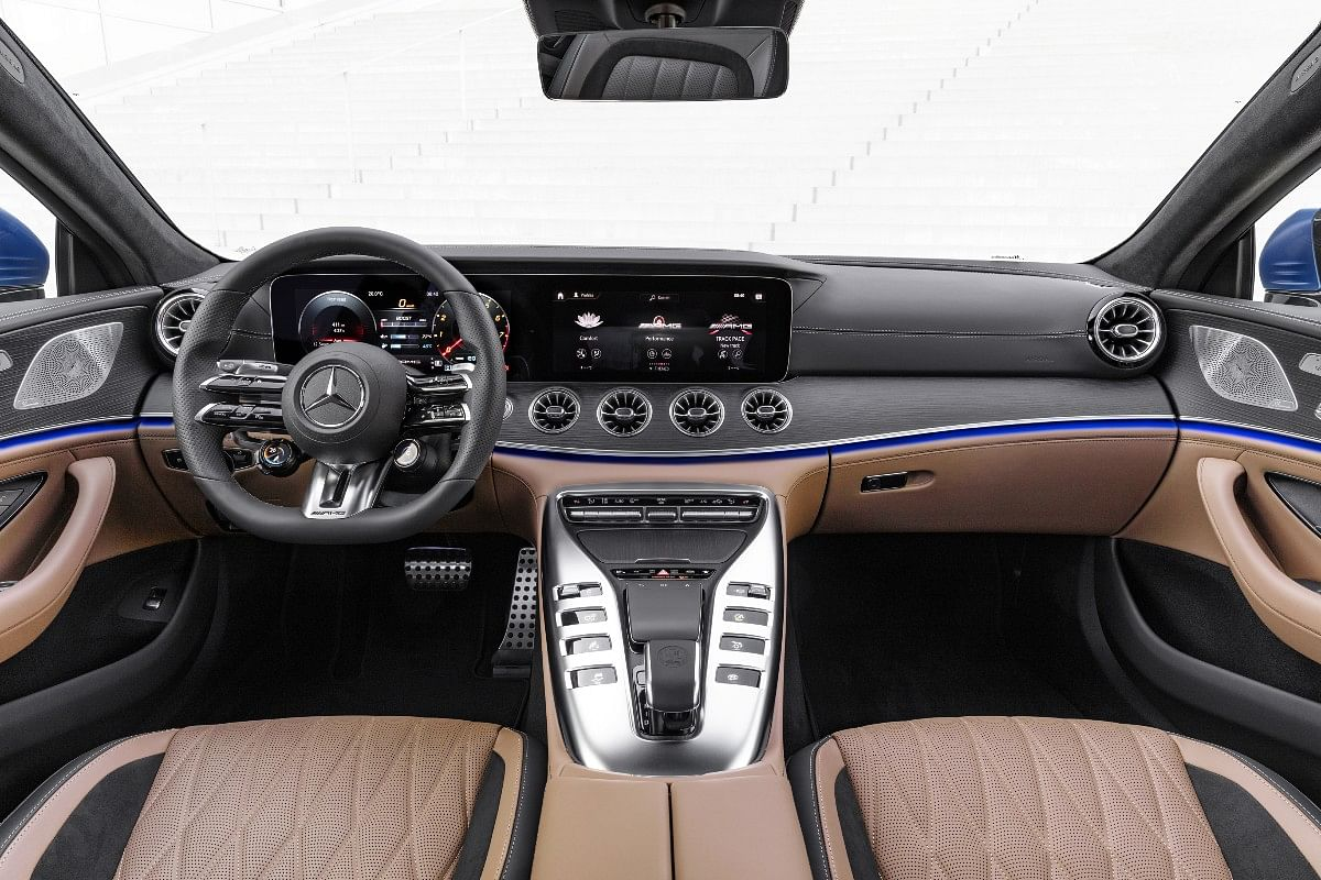 Steering wheel  has integrated sensors to make control easy