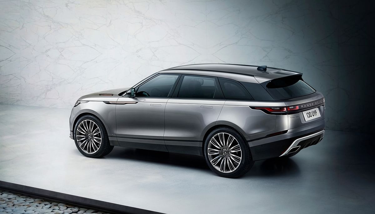 The Range Rover Velar retains its retractable door handles