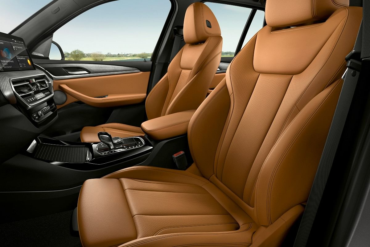 Leather upholstery standard on the facelifted X3 and X4
