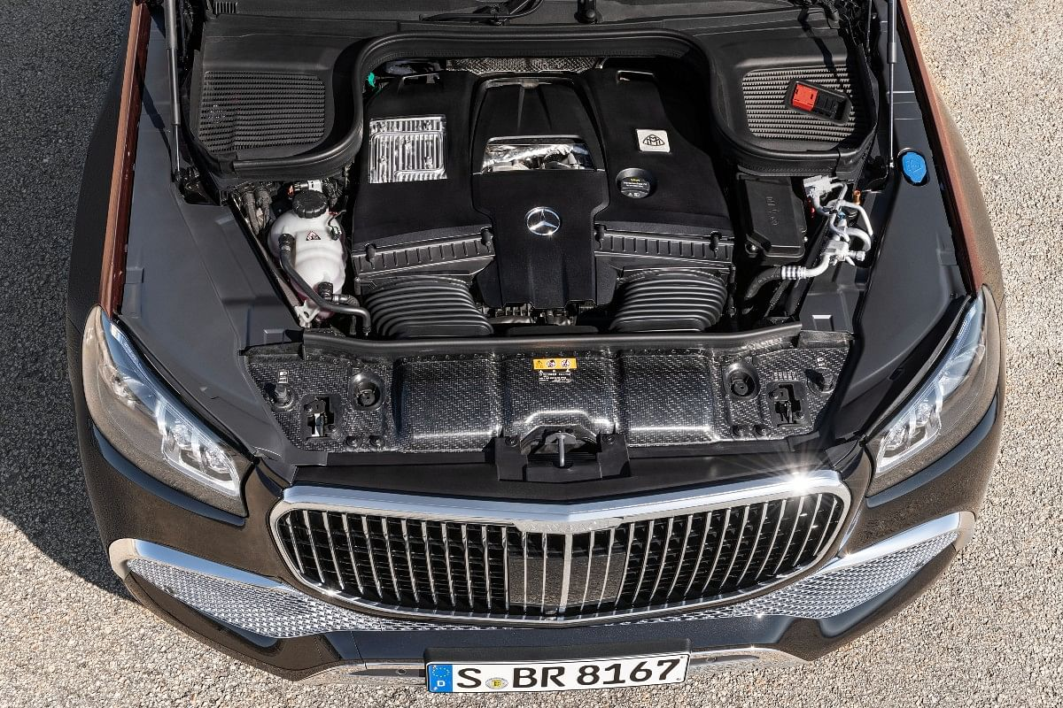 Mercedes claims this engine is capable of returning a fuel-efficiency figure of 11.7 kmpl
