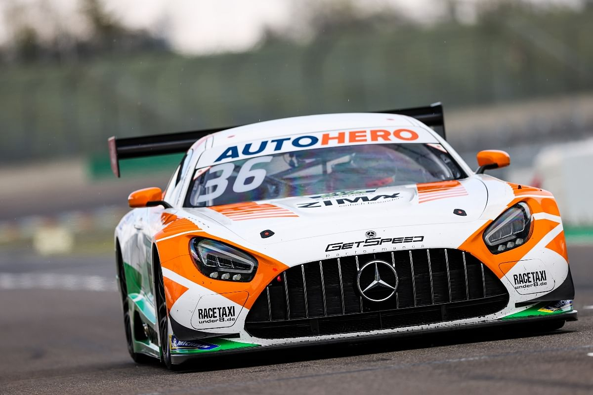 Maini's brake system failed after coming in contact with ex-F1 driver Timo Glock