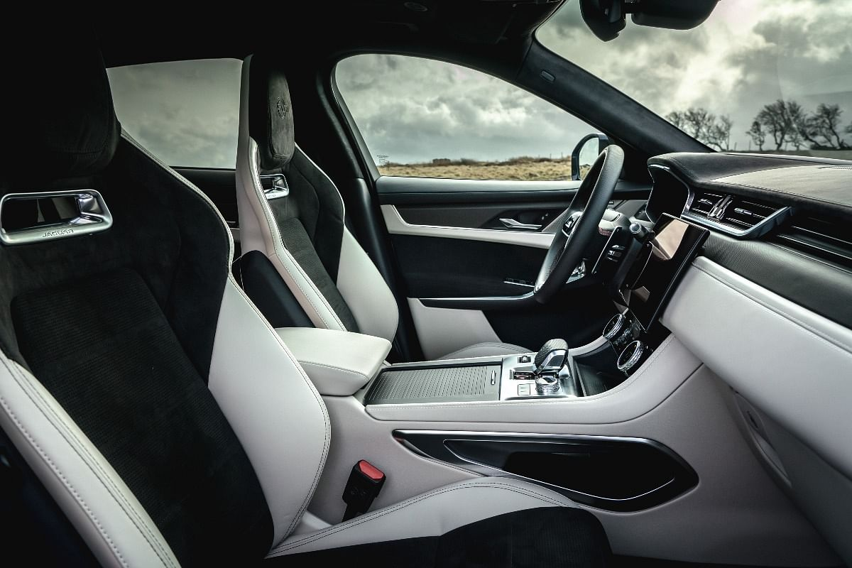 14-way adjustable front seats come with heating and cooling functions