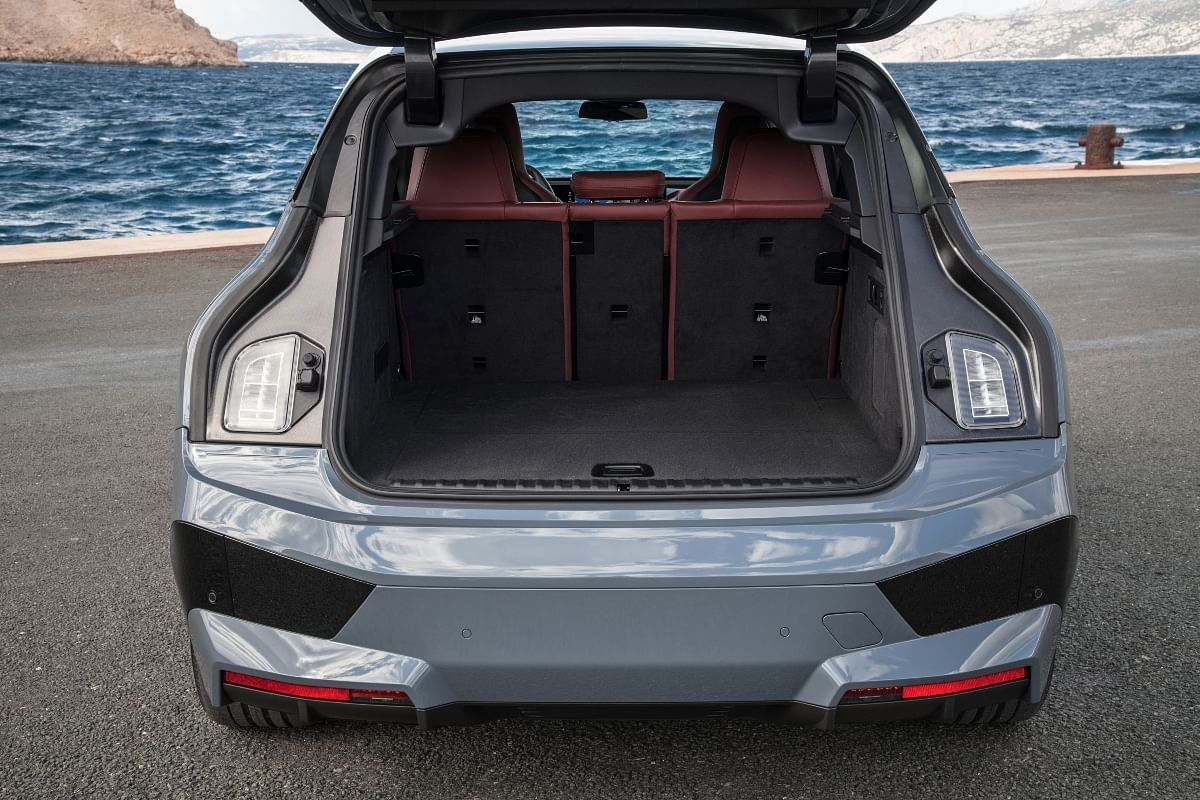 A large boot space and additional taillights improve practicality