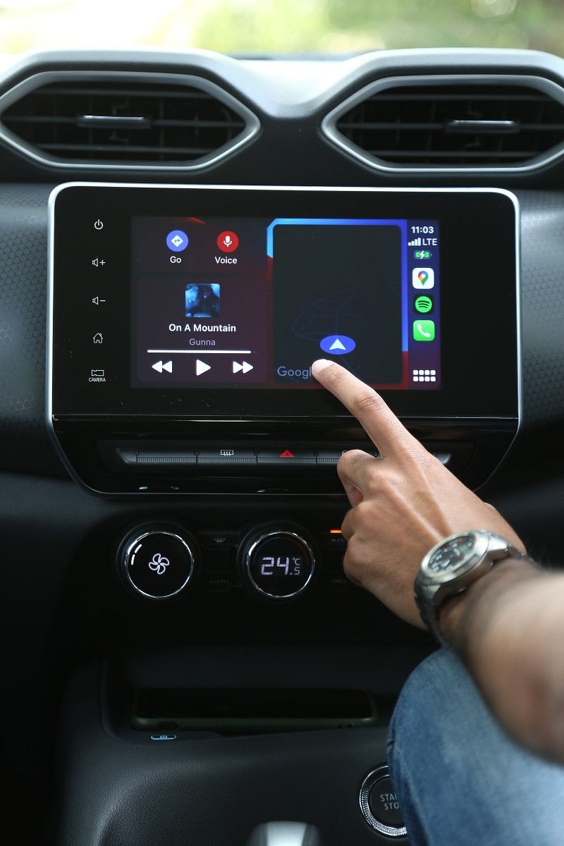 The 8-inch infotainment screen's simple layout makes it easy to use while driving