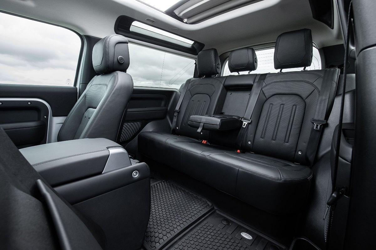 Large glasshouse ensures the rear passengers do not feel cooped up in the Defender 90