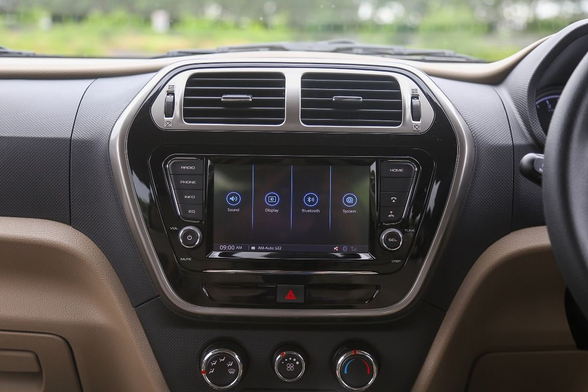 Bolero Neo's 7-inch infotainment screen doesn't get Apple CarPlay or Android Auto