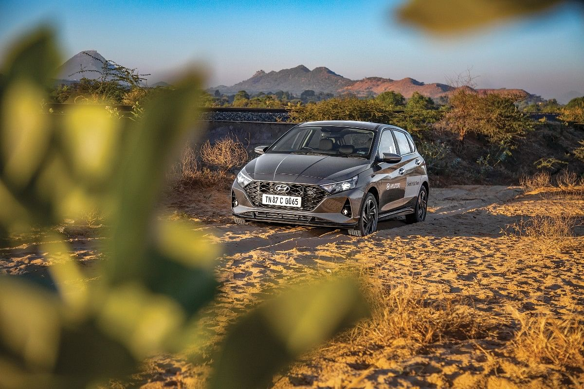The i20 gave a fuel efficiency of over 19 - 20kmpl on our journey