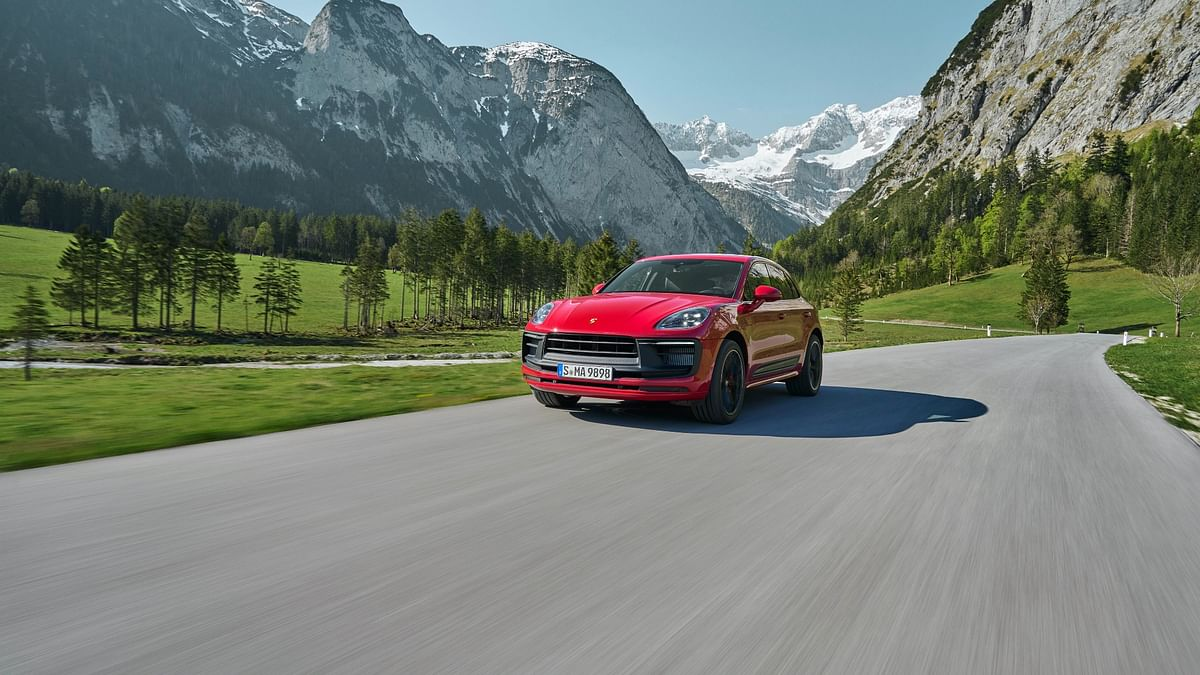 Porsche Macan facelift unveiled, gets an increase and power and additional technology