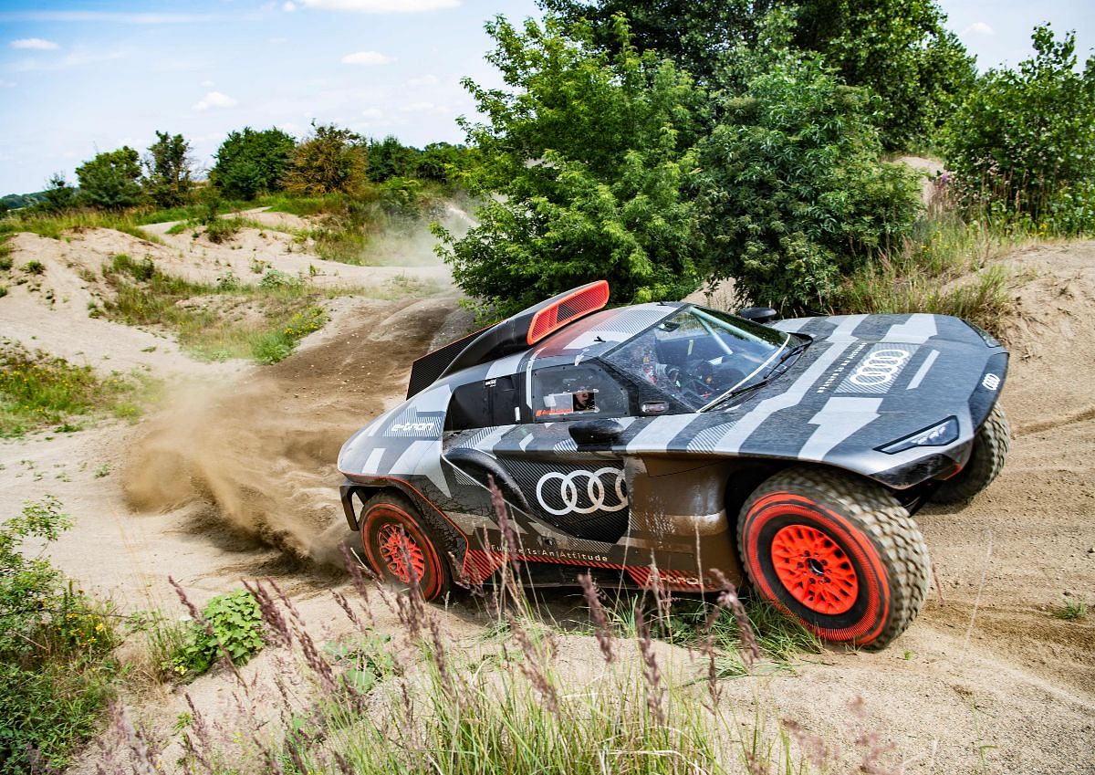 The Audi RS Q e-tron gets a total of three motor-generator units owing to the challenging conditions of the Dakar Rally