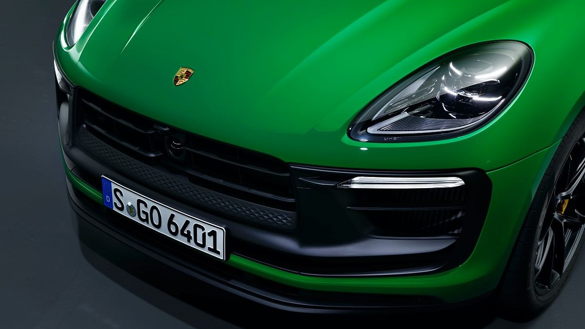 LED headlamps receive Porsche Dynamic Light System