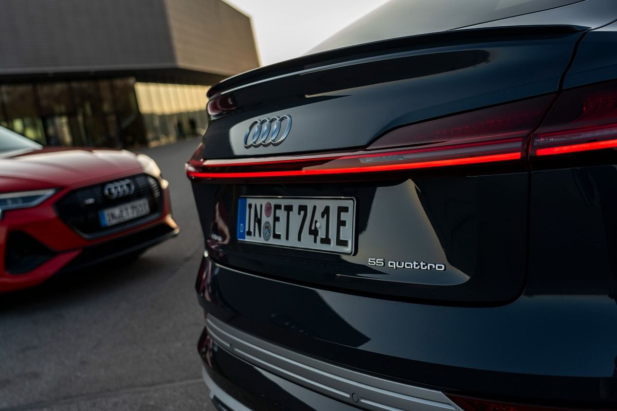 The e-tron 55 models receive a 95kWh battery