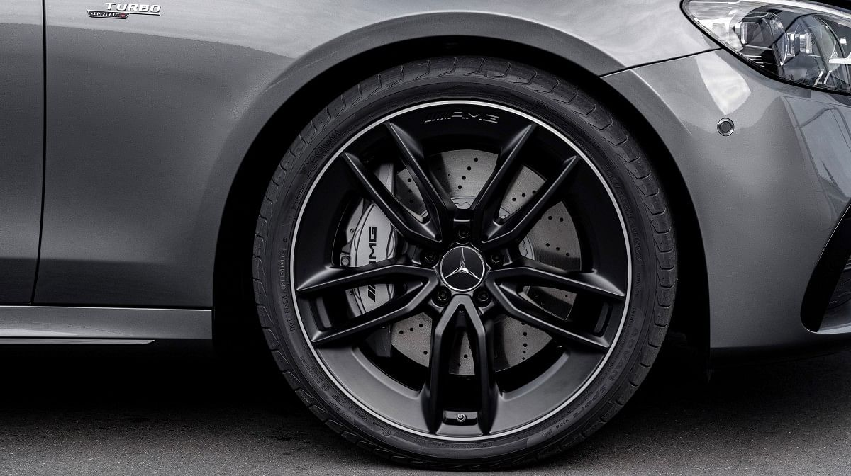 19-inch alloys are upgradable to 20-inchers