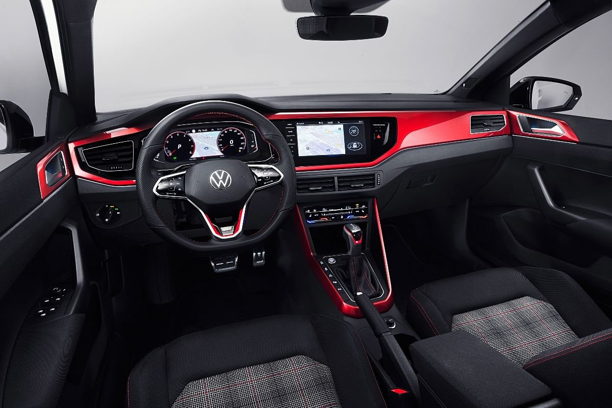The leather wrapped multifunctional steering wheel comes as standard