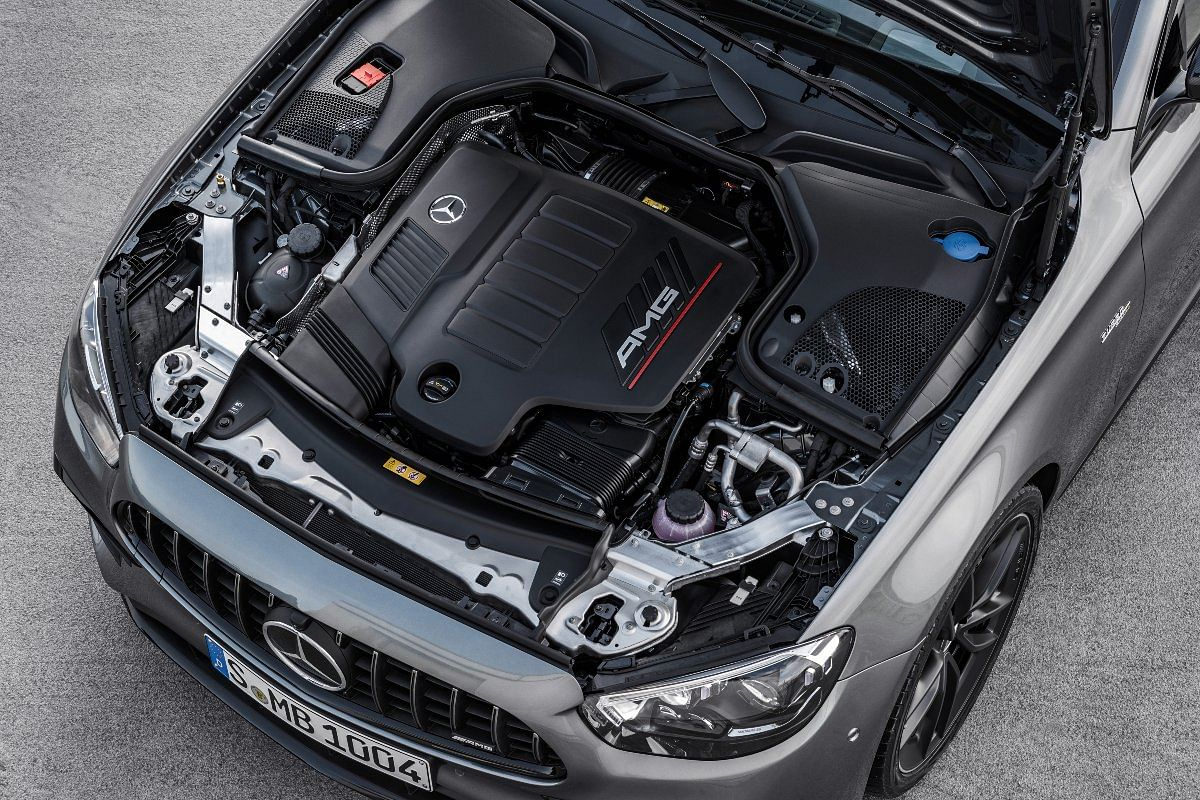 The 3-litre six-cylinder engine receives an extra boost of power thanks to the EQ boost system