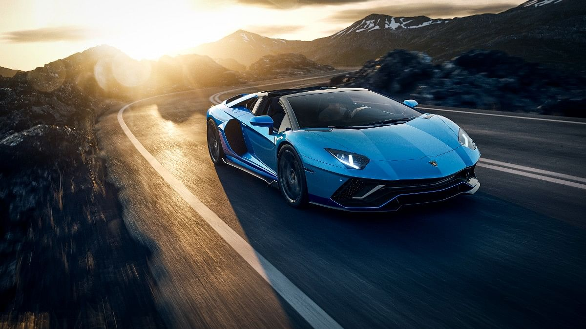 The Aventador finishes a 0-100 run in just 2.8 seconds