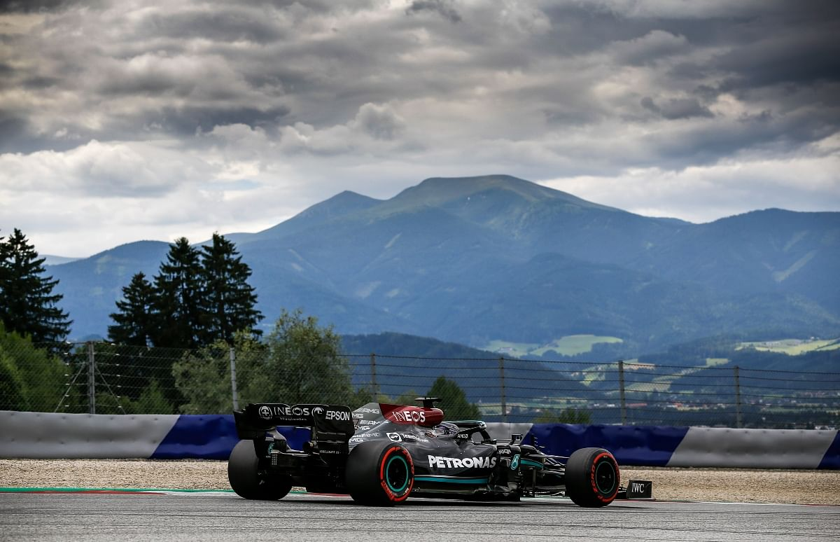 Mercedes performing better than Red Bull in colder conditions