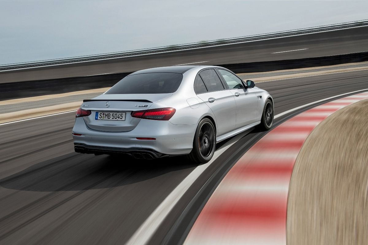 The E 63 S receives a Variable Torque Distribution system which makes drifting easier