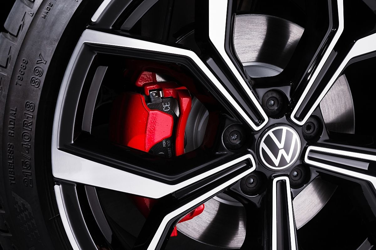 The red couloured brake caliper adds to the aesthetics