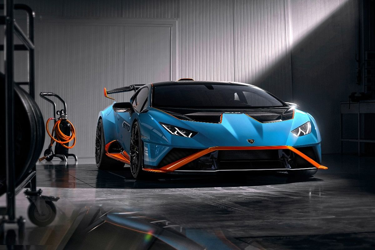 The Lamborghini Huracan STO receives an aggressive body kit with a splitter