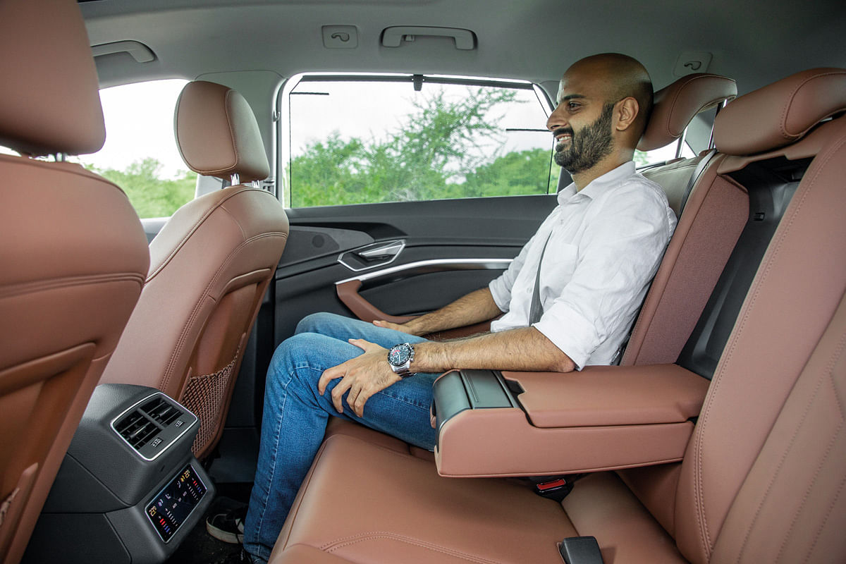 The e-tron's backseat gets ample amount of kneeroom and headroom