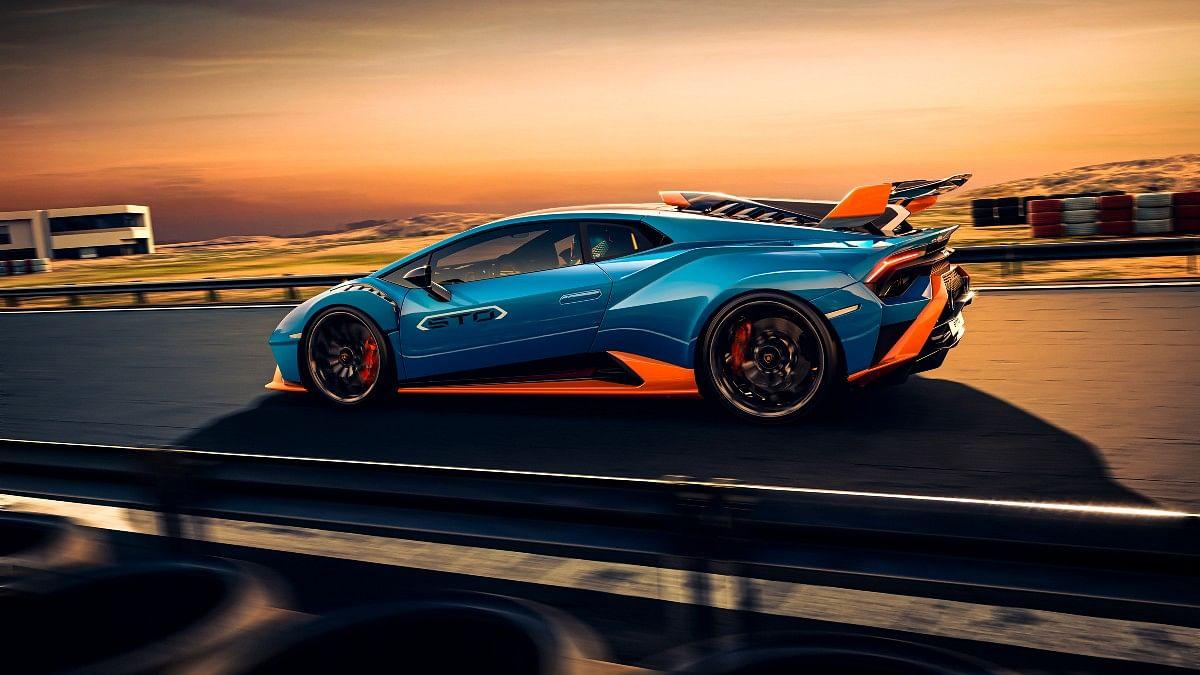 The Lamborghini Huracan STO decimates a 0-200kmph run in just 9 seconds!