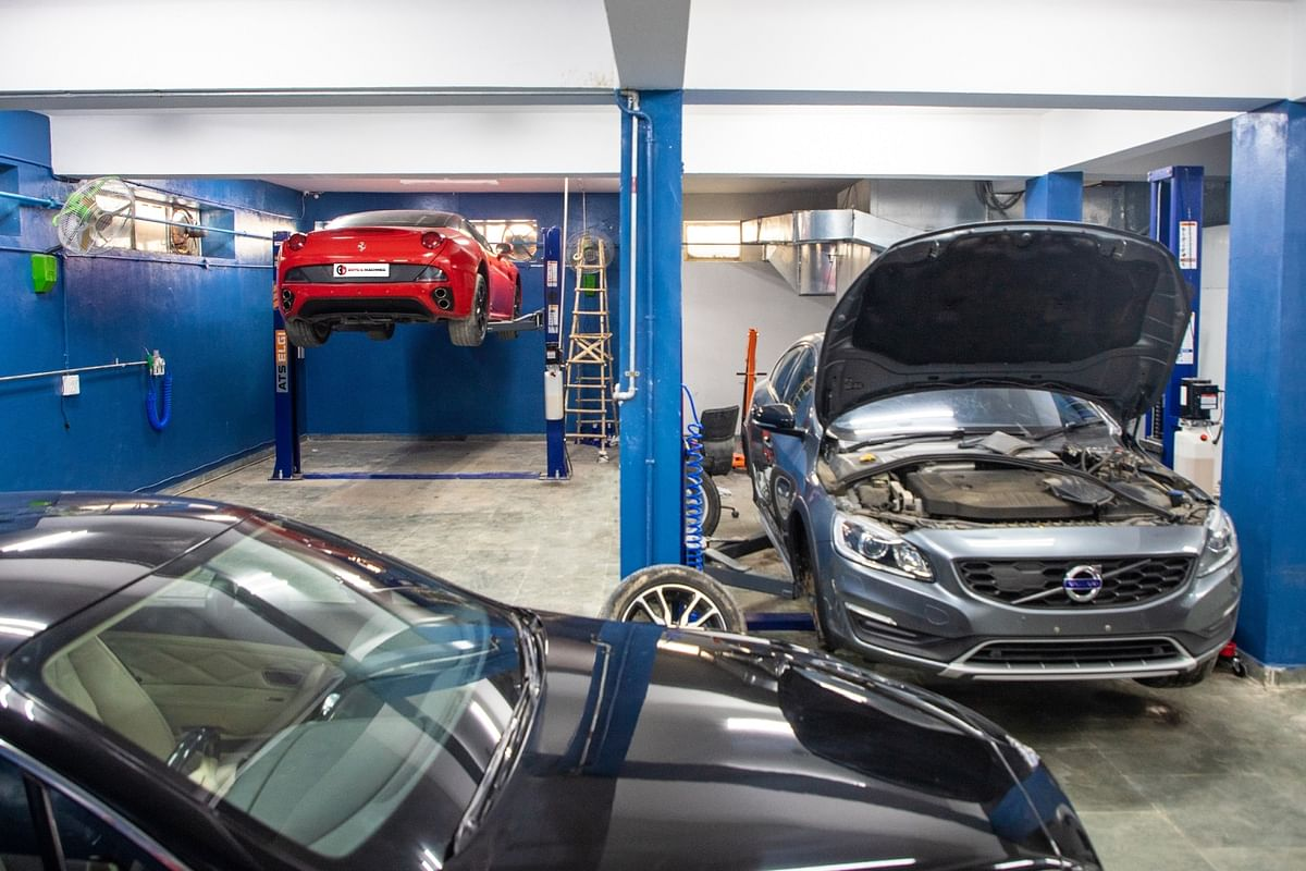 The new workshop is capable of servicing wide range of sports- and luxury-cars