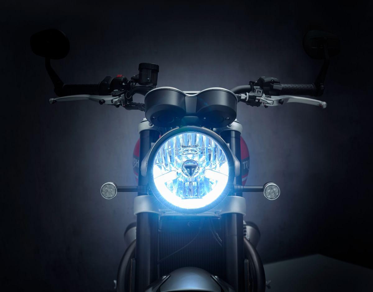 It gets LED DRLs and turn indicators