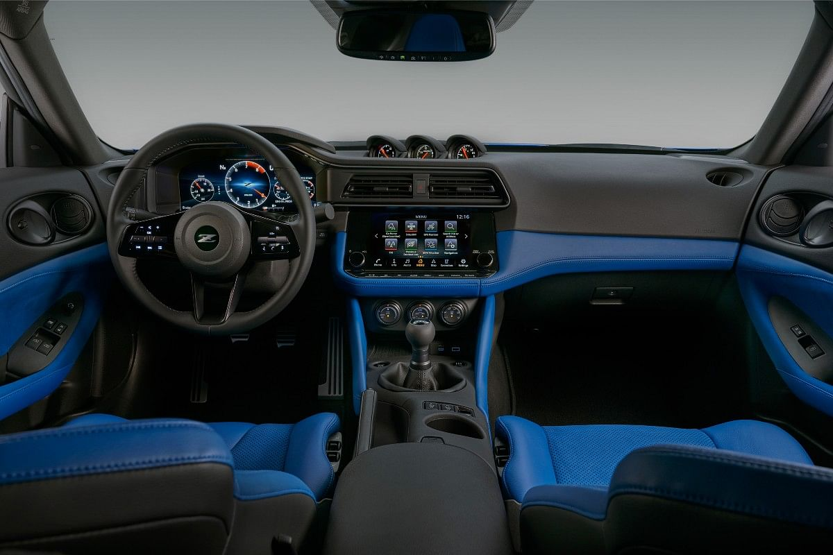 Interiors of the new Z continue to sport a retro feel in typical JDM fashion
