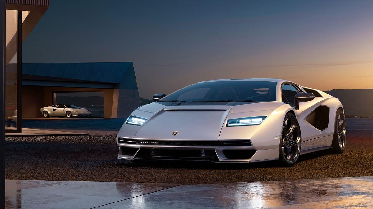 Lamborghini revives the Countach, unveils the limited edition Countach LPI 800-4