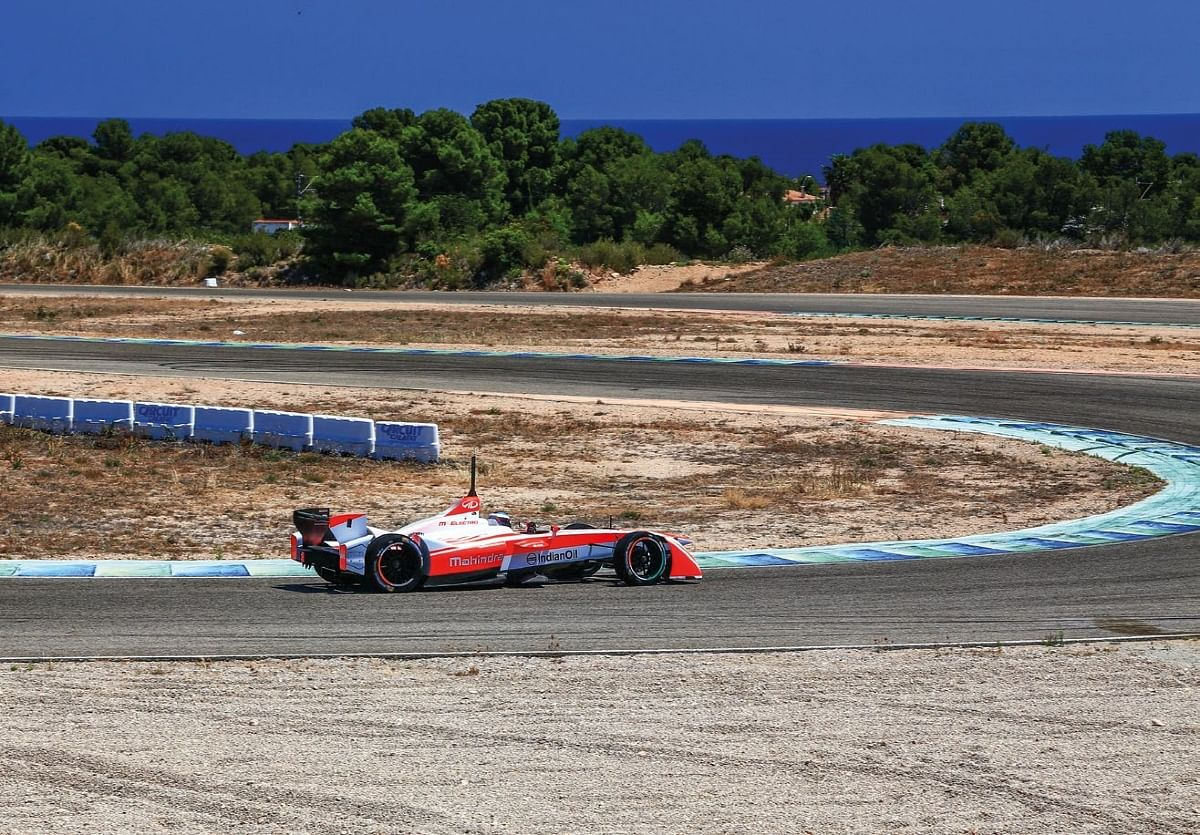 Straights on the Calafat circuit are broken by chicanes to simulate a street circuit.