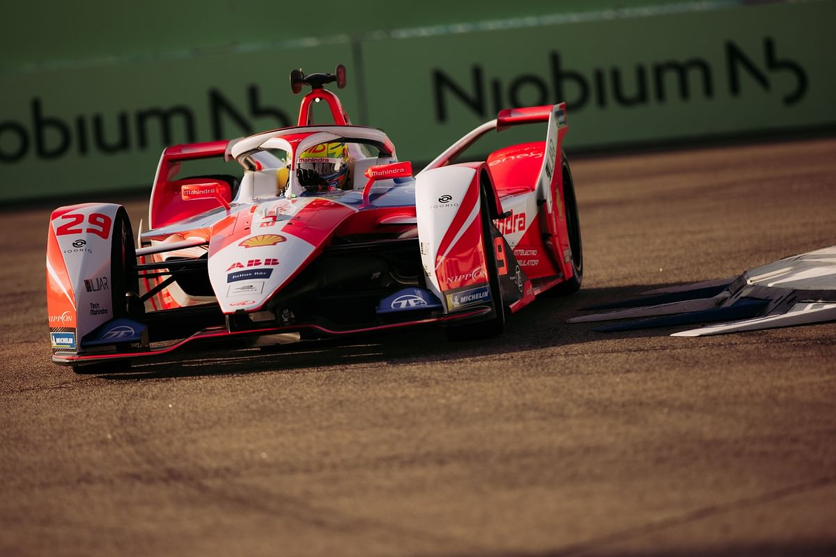 Mahindra Racing score 10 points in an action packed Formula E season finale