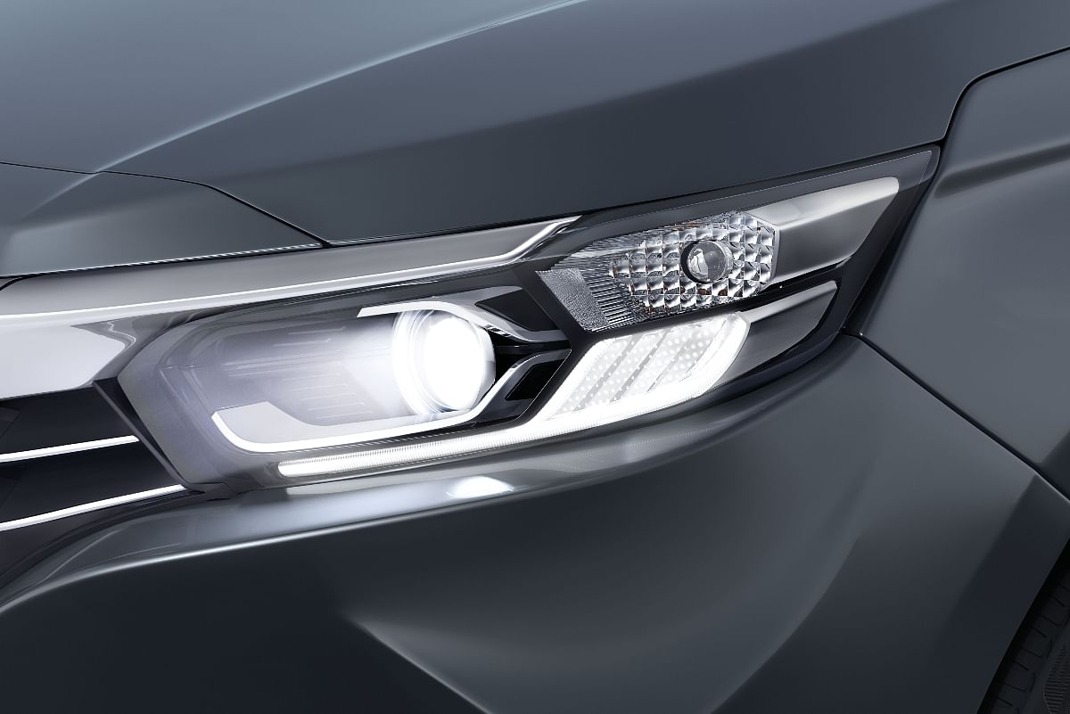 Another feature exclusive to the VX variant is LED projector headlamps