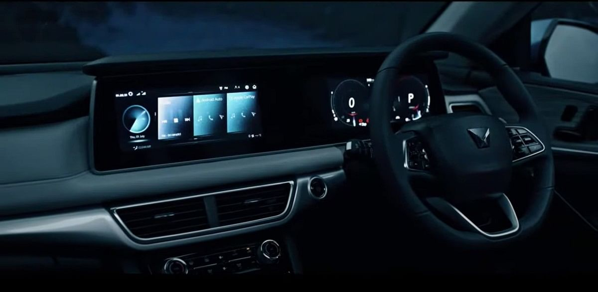 The AX variants of the XUV700 gets a dual 10.25-inch instrument cluster and infotainment display