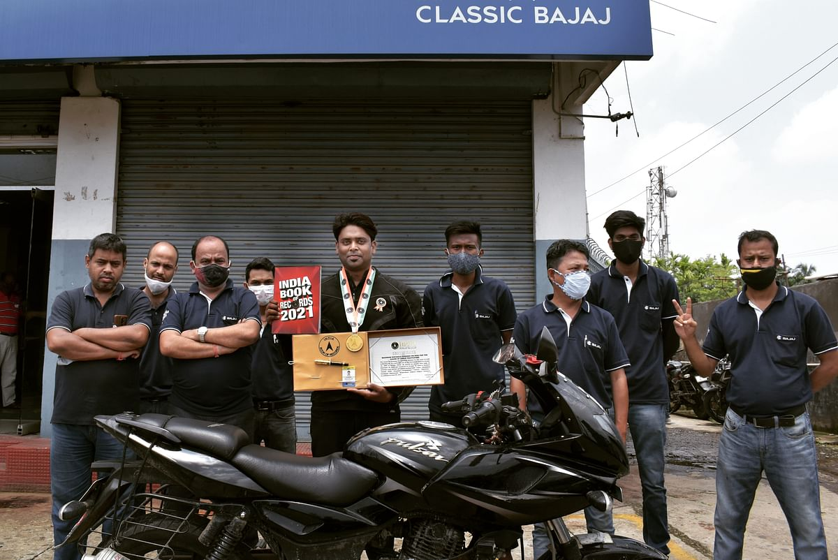 """His companion for the journey was the Bajaj Pulsar 220 which served well to its tagline """"The fastest Indian"""""""