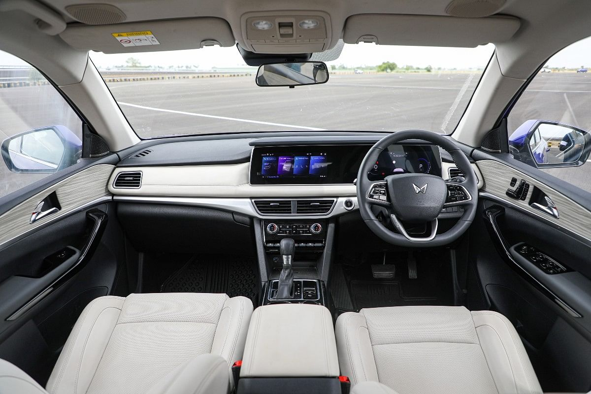 The 10.25-inch touchscreens present in a Mercedes-inspired continuous slab