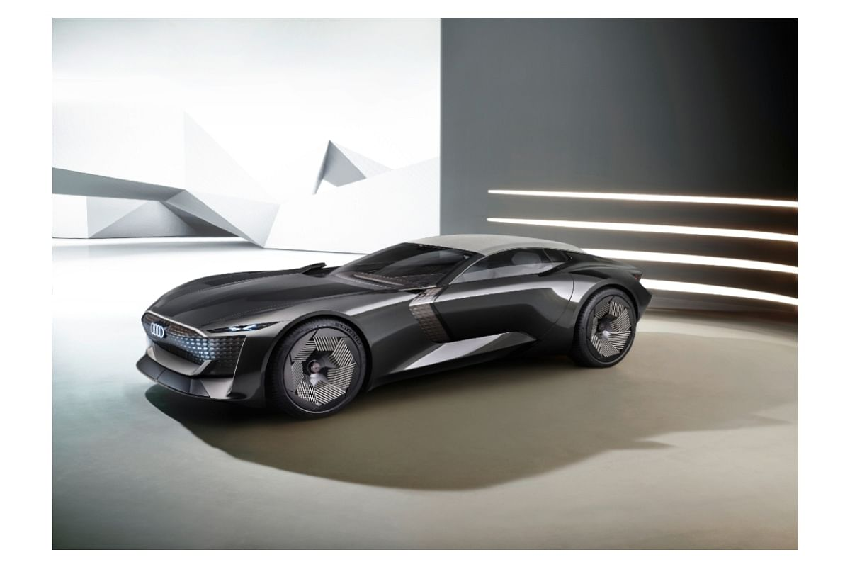 Variable wheelbase is the talking point of the Audi Skysphere concept car