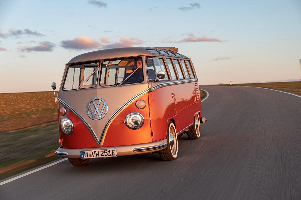 The icon for genereations, VW Bus electrified