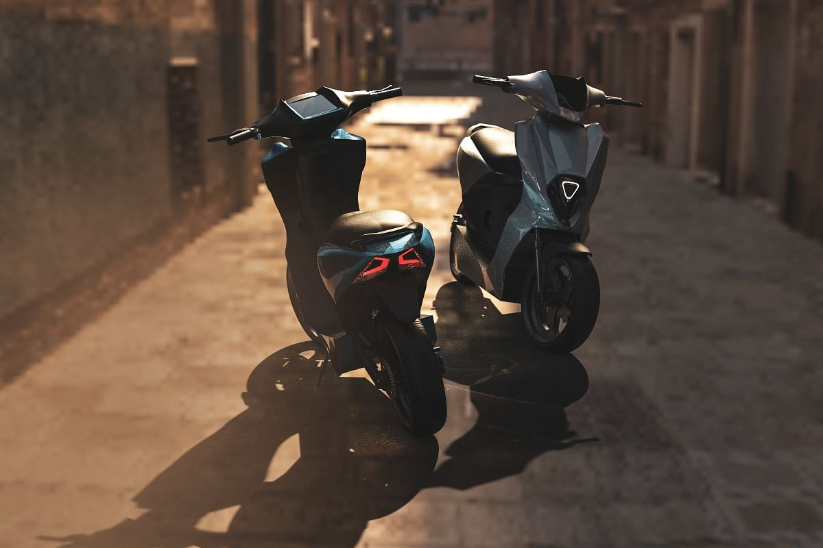 The Simple One electric scooter will receive a large digital instrument cluster and disc brakes on both ends