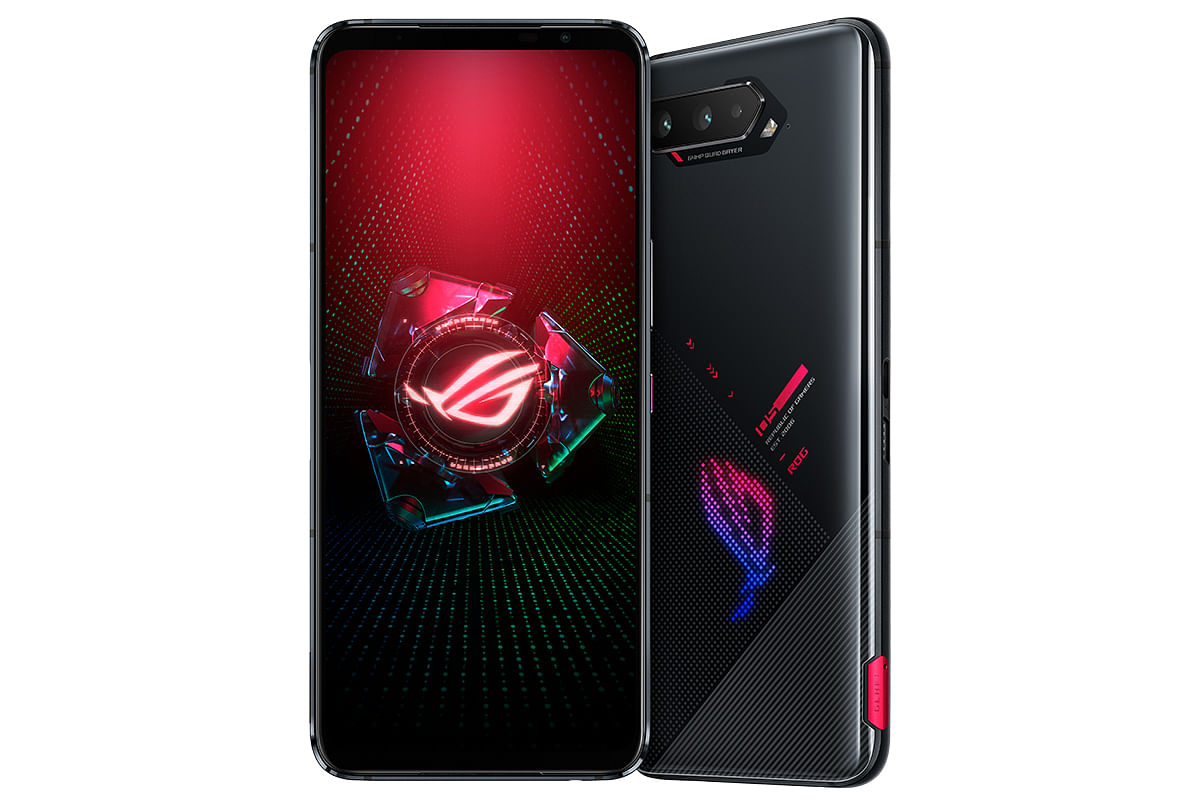 The FHD+ AMOLED display gives a rich viewing experience