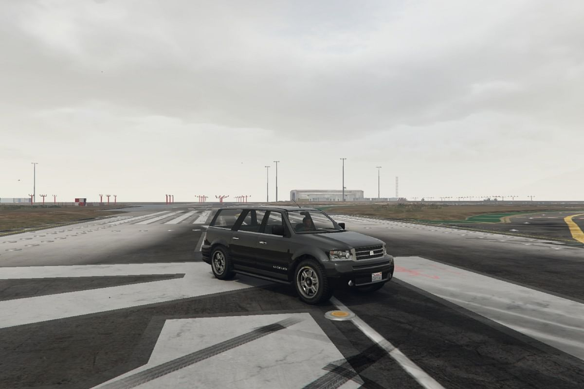 The GTA V rendition of the Landstalker has its set of lights inspired from the 2006 Range Rover