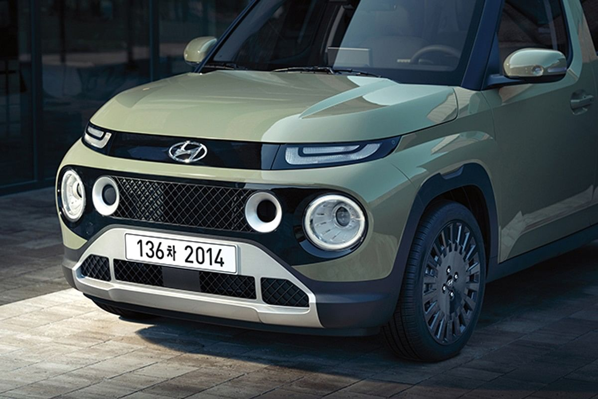 Certain variants of the Casper get a black treatment for the grille, while the others get silver treatment