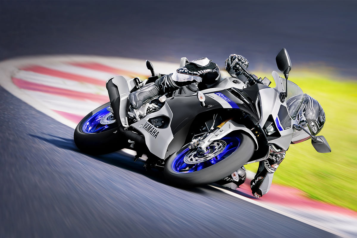 The R15M gets a few exclusive features over the standard one