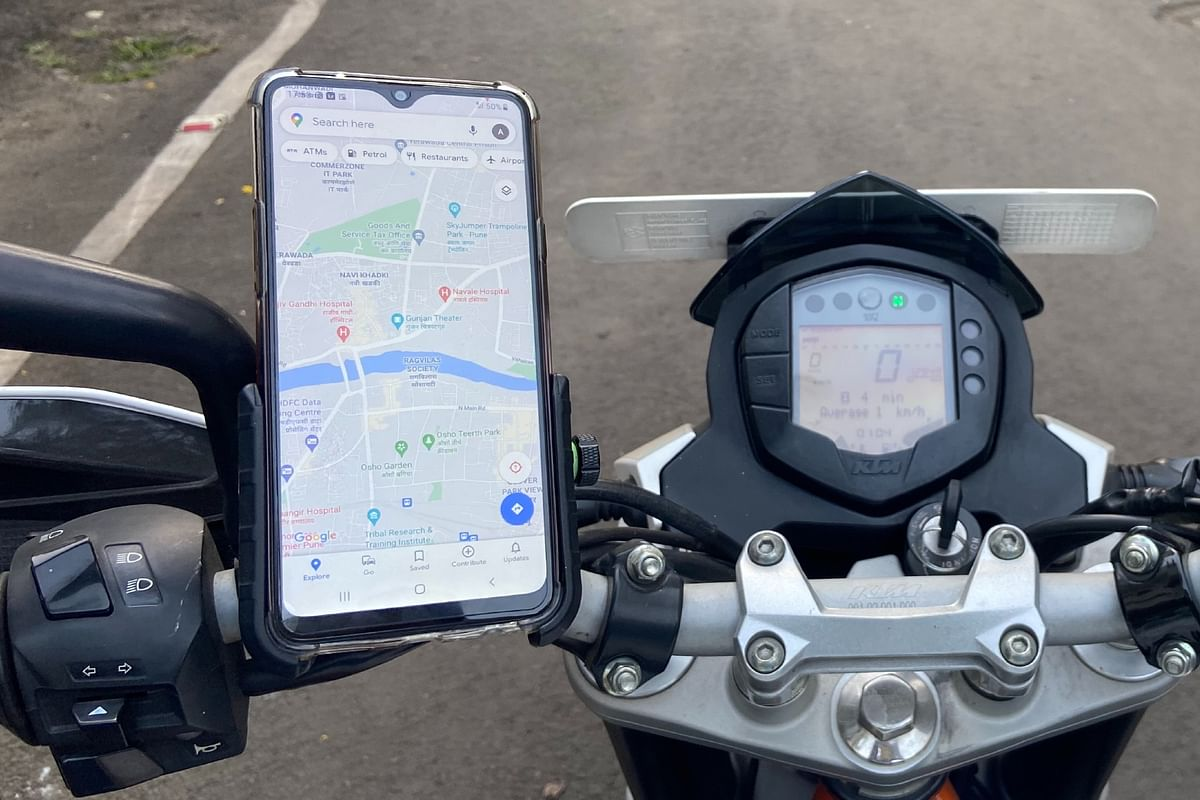Stop mounting your smartphone on a motorcycle! Apple tells you why
